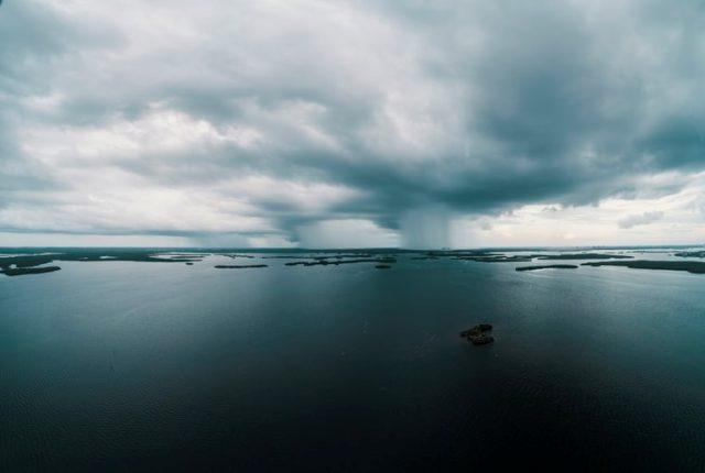https: img.okezone.com content 2020 10 28 16 2300958 siklus-air-serta-hujan-telah-lama-dijelaskan-dalam-alquran-dan-sains-vQyVVU9IlC.jpg