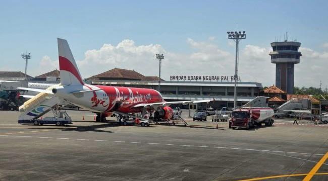 https: img.okezone.com content 2020 10 28 244 2300780 libur-panjang-6-305-penumpang-tiba-di-bandara-ngurah-rai-Gl5OzaQav4.jpg