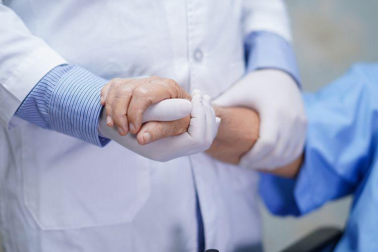 https: img.okezone.com content 2020 10 28 608 2300799 pasien-sembuh-covid-19-di-sumut-capai-10-376-orang-SZgZa5yD77.jpg