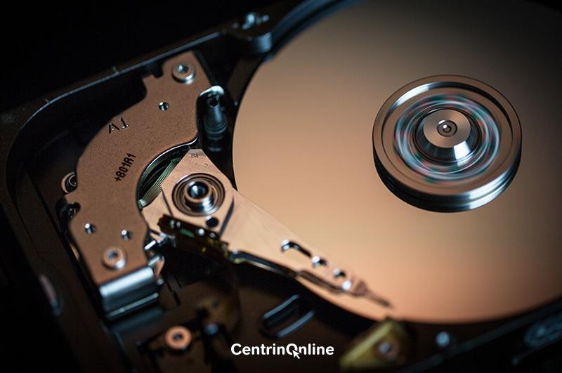 https: img.okezone.com content 2020 10 29 16 2301175 fakta-unik-dunia-internet-hard-disk-pertama-di-dunia-seukuran-kulkas-mXcW8UfUuR.jpg