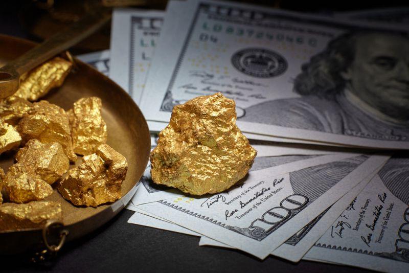 https: img.okezone.com content 2020 10 29 320 2301025 harga-emas-anjlok-tertekan-keperkasaan-dolar-as-8JzKXpl0RP.jpg