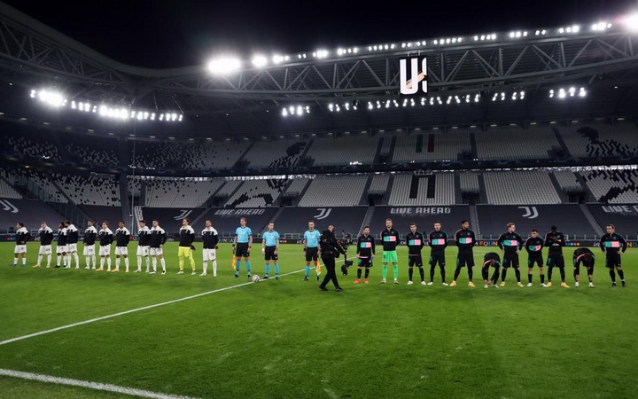 https: img.okezone.com content 2020 10 30 261 2301495 baru-kalahkan-juventus-barcelona-dicoret-dari-kandidat-juara-liga-champions-1NzisRbXJU.jpg