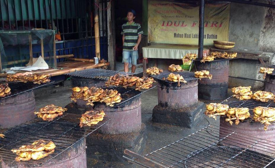 https: img.okezone.com content 2020 10 30 301 2301421 4-spot-kuliner-di-kabupaten-tangerang-yang-memanjakan-lidah-2hcukc8RDf.JPG