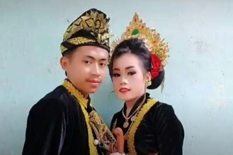 https: img.okezone.com content 2020 10 30 340 2301603 bosan-belajar-online-picu-siswi-smp-di-lombok-menikah-dini-NSOJ4ZQzgA.jpg