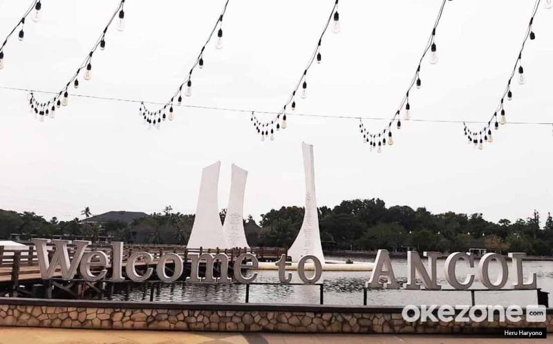 https: img.okezone.com content 2020 10 30 406 2301426 hari-kedua-libur-panjang-maulid-23-ribu-wisatawan-sambangi-ancol-QGrAAkMY4k.jpg