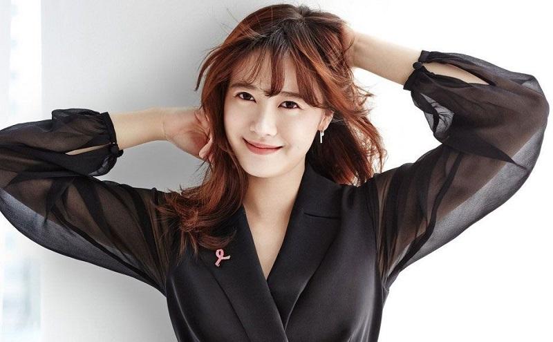 https: img.okezone.com content 2020 11 02 33 2302562 program-tv-baru-goo-hye-sun-setelah-cerai-dari-ahn-jae-hyun-cZtBBOhaHP.jpg