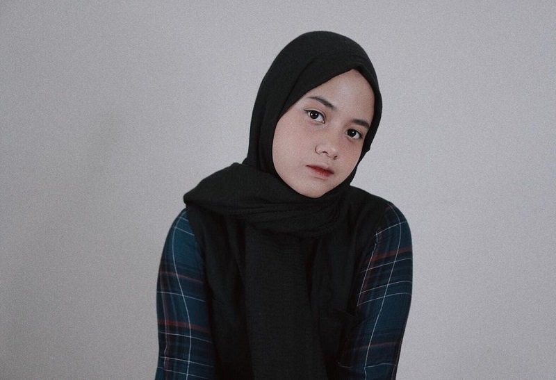 https: img.okezone.com content 2020 11 03 205 2303506 wakili-indonesia-hanin-dhiya-tampil-di-takeover-tuesday-CNRgUiArRG.jpg