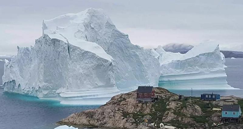 https: img.okezone.com content 2020 11 05 18 2304674 gunung-es-terbesar-di-dunia-berpotensi-tabrak-wilayah-inggris-Dc8bkc1bn3.jpg