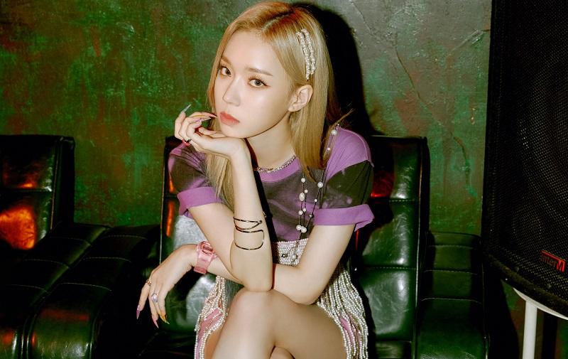 https: img.okezone.com content 2020 11 05 205 2304569 aespa-rilis-teaser-foto-winter-untuk-single-debut-black-mamba-h8T0V57Kl8.jpg