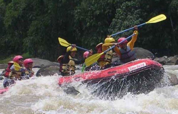https: img.okezone.com content 2020 11 05 408 2304796 serunya-arung-jeram-di-sungai-serayu-banjarnegara-nMf7fN7lnt.jpg