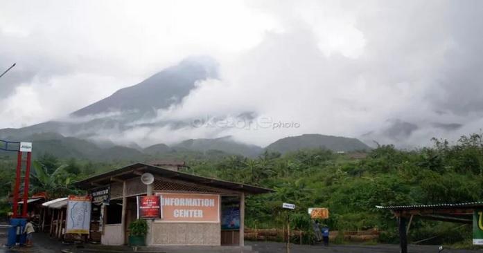 https: img.okezone.com content 2020 11 05 512 2304786 status-gunung-merapi-naik-ke-level-3-awas-guguran-lava-dan-awan-panas-bQMICnllvy.jpg