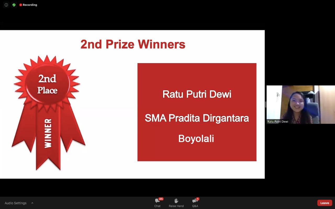 https: img.okezone.com content 2020 11 05 65 2304724 siswi-sma-pradita-dirgantara-raih-juara-2-kompetisi-menulis-di-australia-nsjwxhOvx7.jpg