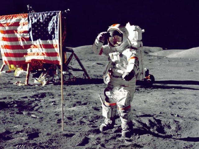 https: img.okezone.com content 2020 11 06 16 2305257 mantan-astronaut-nasa-bertarung-di-pemilu-amerika-ini-daftarnya-cOdrGjP0kQ.jpg