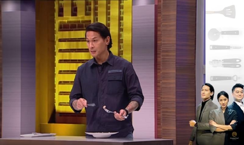 https: img.okezone.com content 2020 11 06 298 2305090 situasi-kian-menegang-chef-juna-buat-kejutan-tak-terduga-di-gallery-masterchef-indonesia-HZ8alQSt7W.jpg