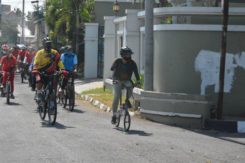 https: img.okezone.com content 2020 11 06 406 2305156 yogyakarta-segera-luncurkan-paket-wisata-sepeda-MLNpCqonEz.jpeg