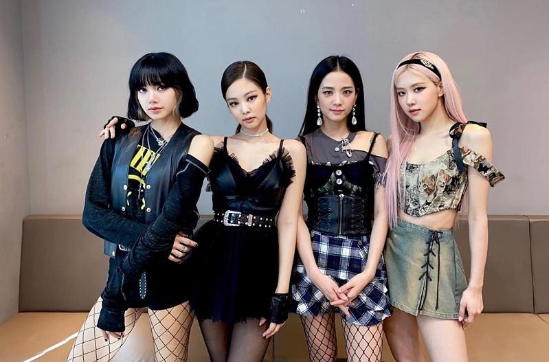 https: img.okezone.com content 2020 11 07 33 2305852 kontroversi-panda-episode-final-reality-show-blackpink-tak-tayang-E92EJlDxOv.jpg
