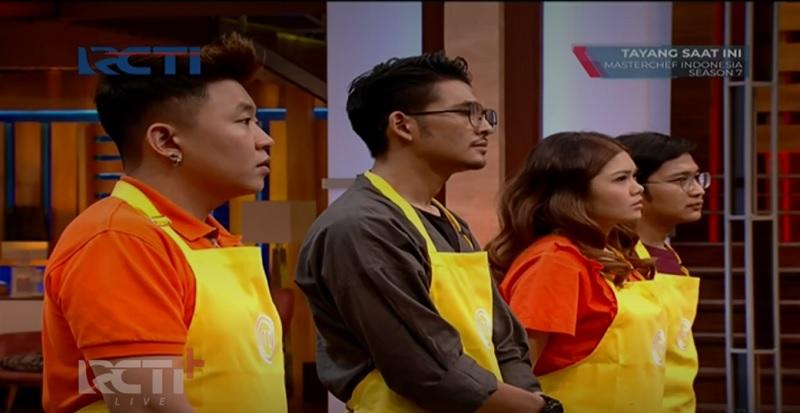 https: img.okezone.com content 2020 11 08 298 2306173 masterchef-indonesia-season-7-tim-kuning-jadi-pemenang-di-estafet-challenge-1ZEpIADJPV.jpg