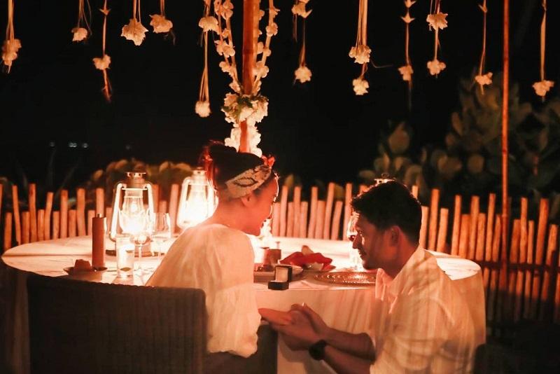 https: img.okezone.com content 2020 11 09 33 2306900 soal-pernikahan-ibnu-jamil-dan-ririn-ekawati-pelan-tapi-pasti-j4nVY8XObR.jpg