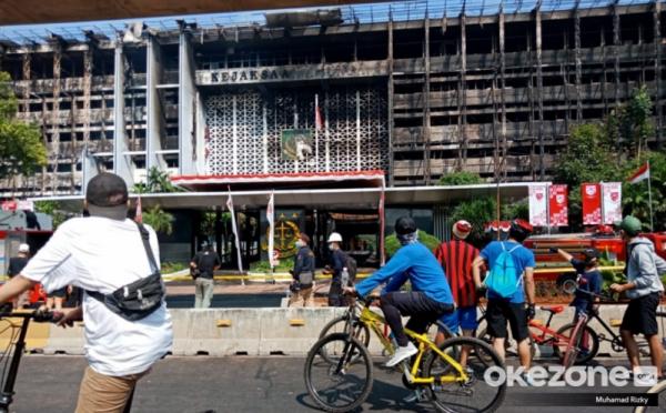 https: img.okezone.com content 2020 11 09 337 2306470 bareskrim-periksa-4-saksi-terkait-kasus-kebakaran-gedung-kejagung-UFFDssIp7E.jpg