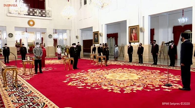 https: img.okezone.com content 2020 11 10 337 2307192 presiden-jokowi-anugerahkan-gelar-pahlawan-nasional-ke-6-tokoh-ini-daftarnya-PPTT50qUCT.jpg