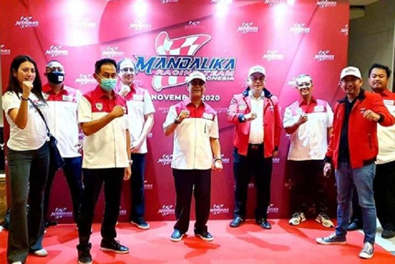 https: img.okezone.com content 2020 11 10 38 2307134 ramaikan-motogp-2021-mandalika-racing-team-indonesia-resmi-diluncurkan-Mn5AHi97P7.jpg