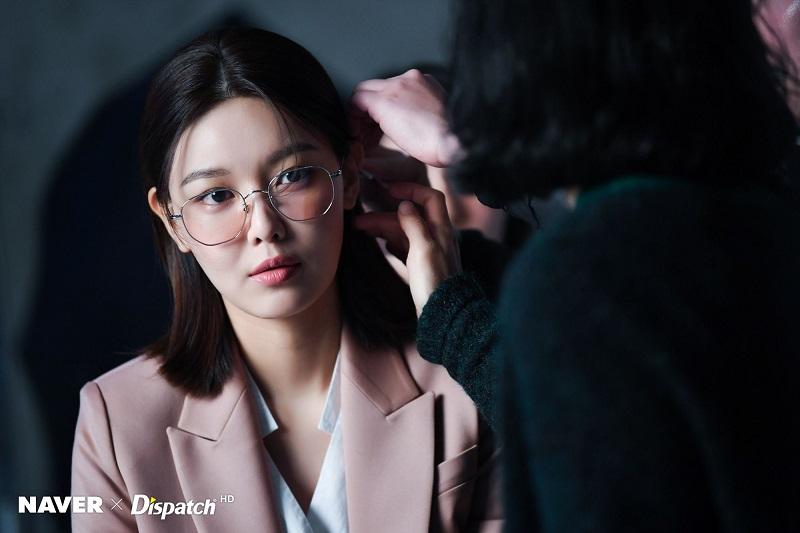 https: img.okezone.com content 2020 11 10 598 2307063 sooyoung-snsd-jadi-ceo-karismatik-dalam-run-on-8NGtB4zb2U.jpg