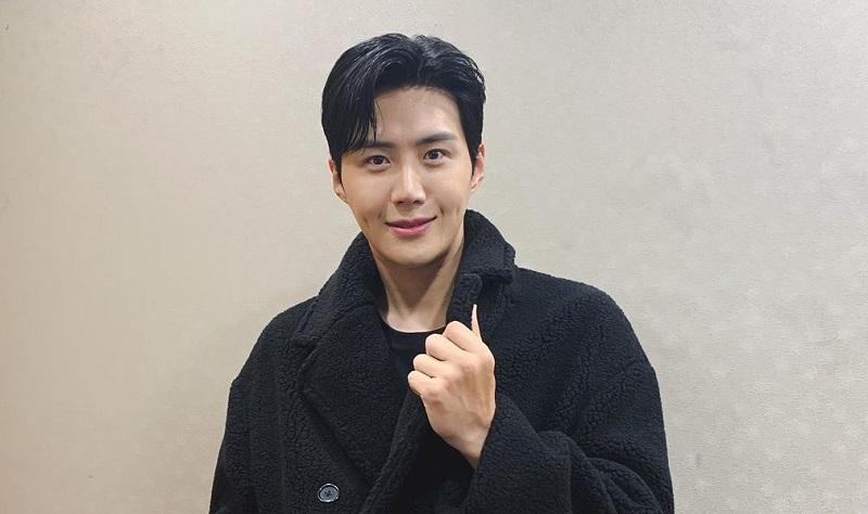 https: img.okezone.com content 2020 11 10 598 2307309 kim-seon-ho-diincar-jadi-pemeran-utama-di-drama-link-LR6HKWCWc4.jpg