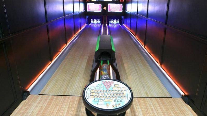 https: img.okezone.com content 2020 11 10 620 2307484 unik-pria-ini-ciptakan-mobil-bowling-keliling-LOt8FHtxwY.jpg