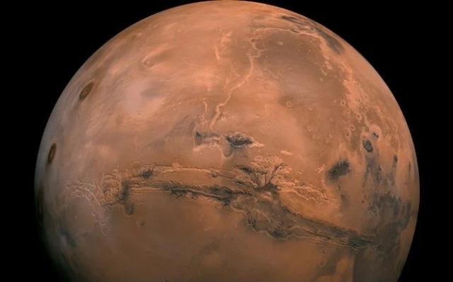 https: img.okezone.com content 2020 11 11 16 2307750 studi-baru-mars-miliki-banyak-air-sebelum-ada-kehidupan-di-bumi-u5zGhh7N9S.jpg