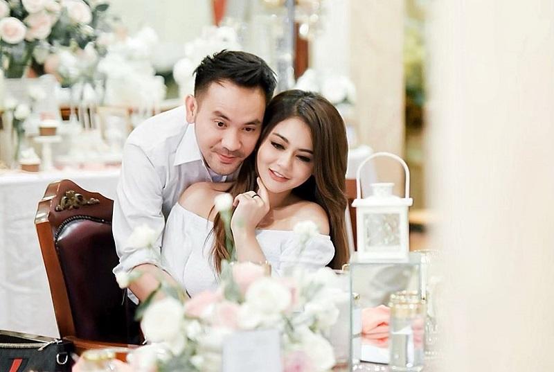 https: img.okezone.com content 2020 11 11 33 2307826 danu-sofwan-menikah-dengan-jenita-janet-curhatan-mantan-istri-jadi-sorotan-fNJy7PAppI.jpg