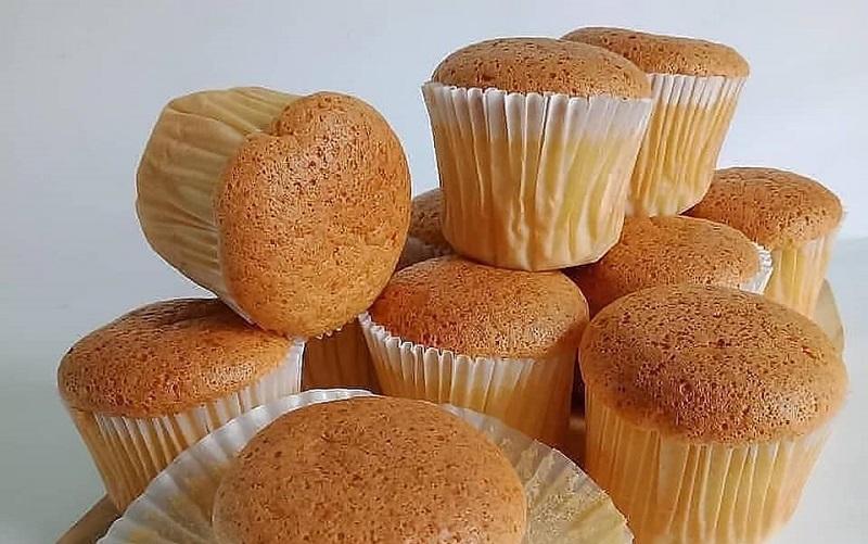 https: img.okezone.com content 2020 11 12 298 2308336 condensed-milk-cupcakes-yang-lembut-dan-lezat-ini-cara-bikinnya-jM4An8AsuB.jpg
