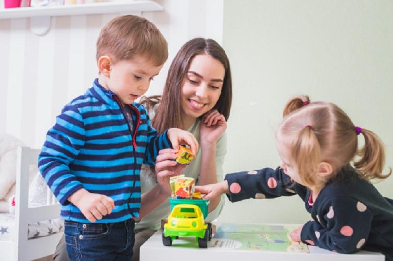 https: img.okezone.com content 2020 11 12 612 2308279 alasan-orangtua-harus-sediakan-ruang-khusus-untuk-anak-XQtORIK4cm.jpg
