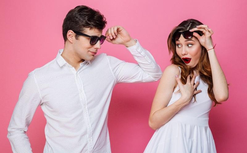 https: img.okezone.com content 2020 11 12 612 2308567 ladies-waspadalah-ini-5-tanda-anda-pacaran-dengan-pria-narsistik-Ai9BSVX9B7.jpg
