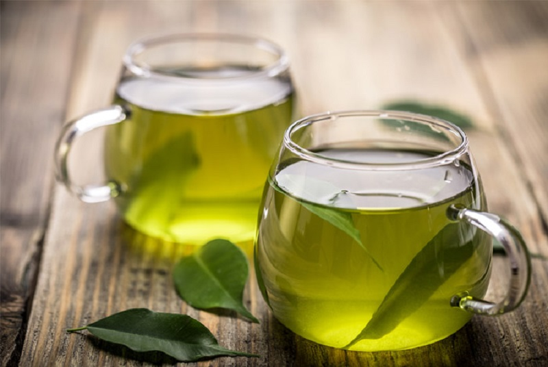 https: img.okezone.com content 2020 11 12 612 2308595 mau-kulit-bebas-jerawat-rajin-minum-teh-hijau-dong-6m2g6p53QM.jpg