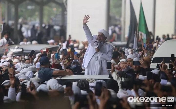 https: img.okezone.com content 2020 11 13 337 2309047 picu-kerumunan-muhammadiyah-minta-satgas-covid-19-berani-tertibkan-acara-habib-rizieq-KOUFl3w0KN.jpg