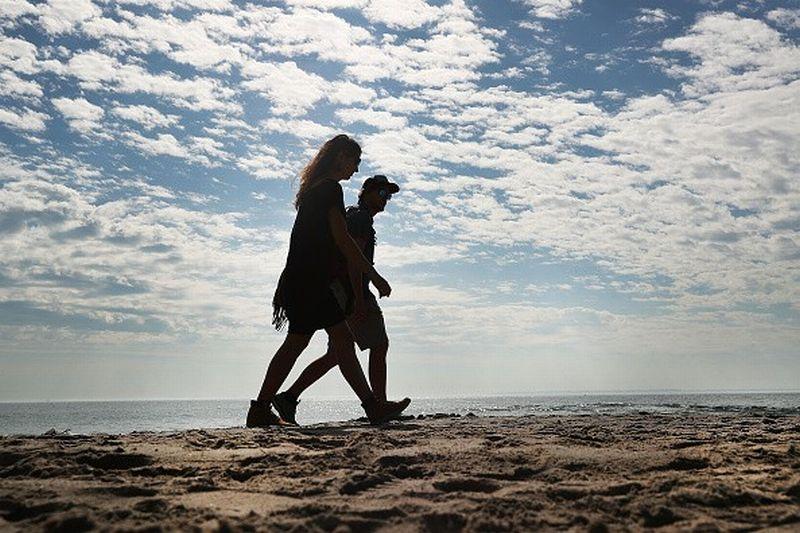https: img.okezone.com content 2020 11 13 406 2309138 7-lokasi-bulan-madu-paling-romantis-di-dunia-bali-juaranya-quukUAKGpE.jpg