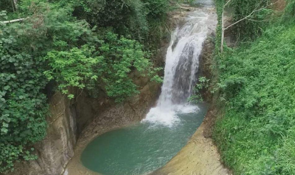 https: img.okezone.com content 2020 11 13 408 2309202 menjelajah-wisata-baru-di-tasikmalaya-tebing-karang-lenang-hingga-curug-panoongan-G8PFQdUyS2.JPG