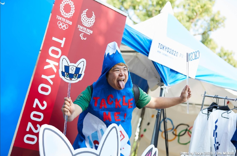 https: img.okezone.com content 2020 11 13 43 2309304 efel-covid-19-masyarakat-jepang-masih-ada-yang-tak-setuju-olimpiade-tokyo-digelar-2021-XMF5QaBhUa.jpg