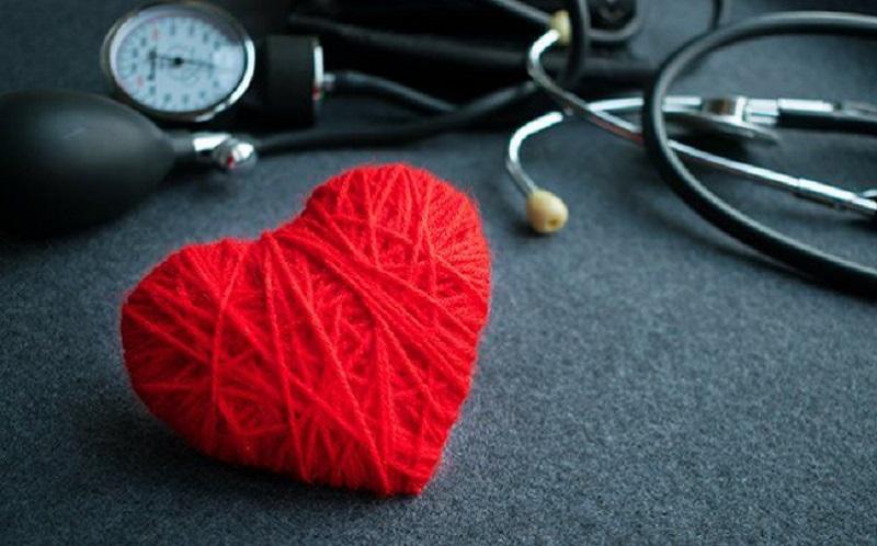 https: img.okezone.com content 2020 11 13 481 2308922 jangan-disepelekan-ini-dampak-hipertensi-pada-tubuh-anda-s1jNTOAZED.jpg