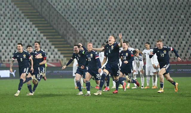 https: img.okezone.com content 2020 11 13 51 2308808 kalahkan-serbia-lewat-adu-penalti-skotlandia-lolos-ke-piala-eropa-2020-OkxysOjxX8.jpg
