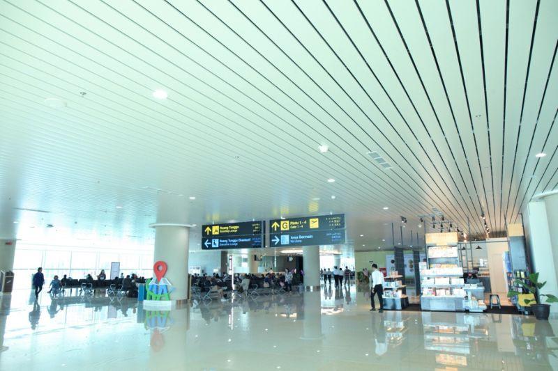 https: img.okezone.com content 2020 11 13 620 2309294 terpesona-bandara-baru-yogyakarta-nan-futuristik-szDrWmgjvh.jpg