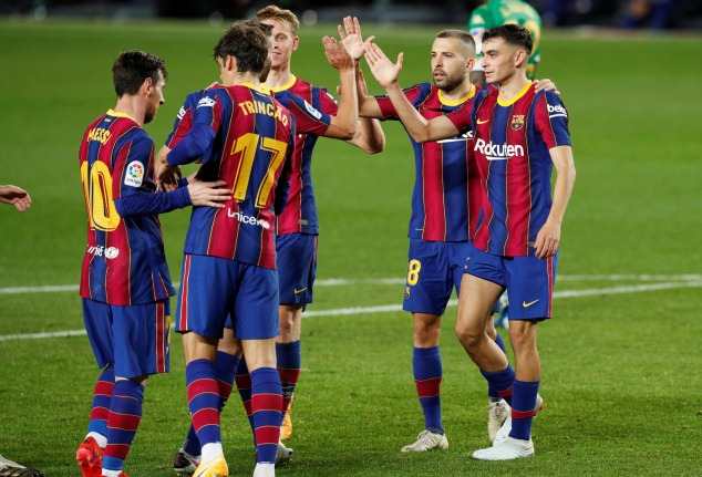 https: img.okezone.com content 2020 11 14 261 2309364 jika-ingin-kembali-juara-liga-champions-barcelona-wajib-beli-penyerang-baru-bVzgL487O5.jpg