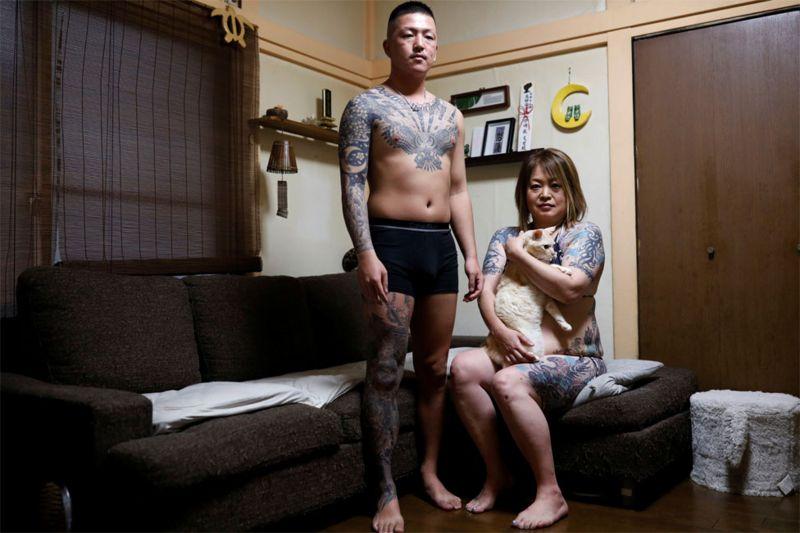 https: img.okezone.com content 2020 11 15 18 2309754 potret-warga-jepang-yang-mendobrak-tabu-tato-TvRUeFbJiL.jpg