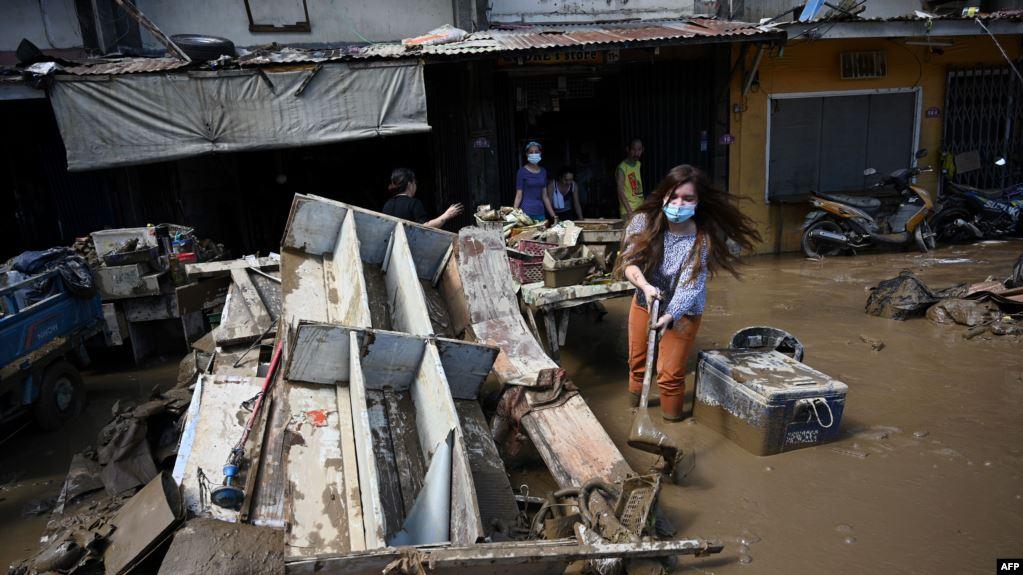 https: img.okezone.com content 2020 11 15 18 2309978 67-warga-filipina-tewas-akibat-topan-vamco-Ygykewx2Q9.jpg