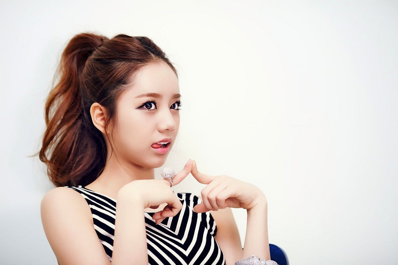https: img.okezone.com content 2020 11 15 598 2309816 alasan-hyeri-girls-day-mundur-dari-amazing-saturday-8mxIVrXxIs.jpg