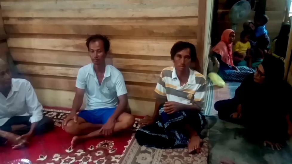 https: img.okezone.com content 2020 11 16 340 2310090 cerita-nelayan-terombang-ambing-3-hari-usai-kapal-terbalik-diterjang-badai-MaOhoGFuOy.jpg
