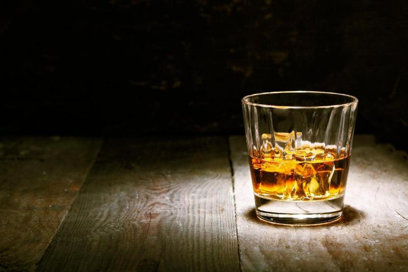 https: img.okezone.com content 2020 11 16 481 2310599 pro-kontra-ruu-minol-ini-bahaya-minuman-beralkohol-bagi-tubuh-manusia-LA8LSK1cPH.jpg