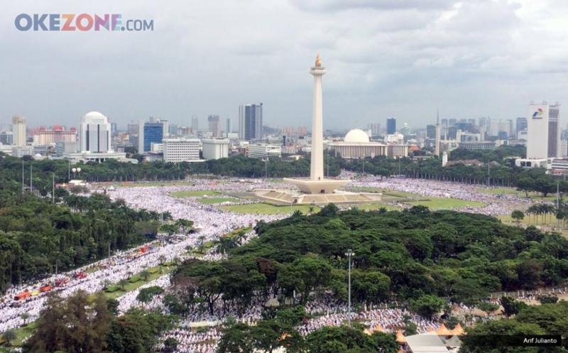 https: img.okezone.com content 2020 11 17 337 2311211 reuni-212-ditunda-loyalis-habib-rizieq-diminta-gelar-istighosah-di-masjid-LJdyrtpH9o.jpg
