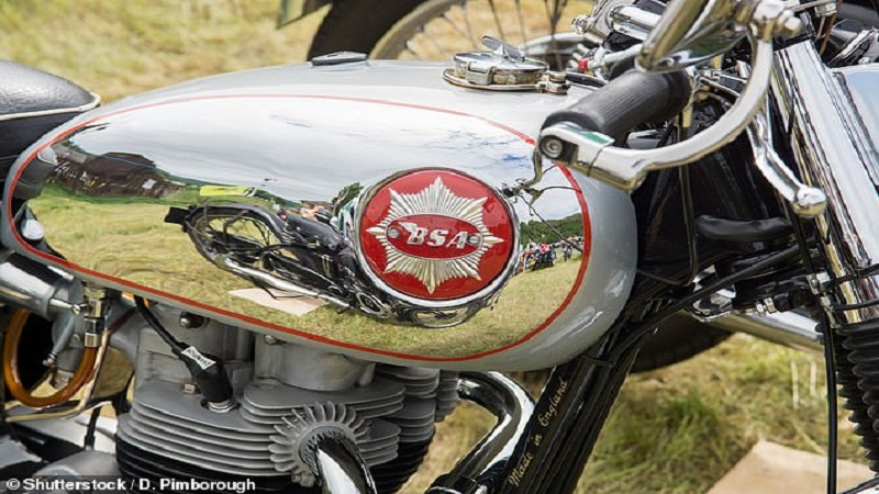https: img.okezone.com content 2020 11 17 53 2310956 dibeli-miliarder-india-bsa-kembali-produksi-sepeda-motor-keren-CQhCdeU1sb.jpg