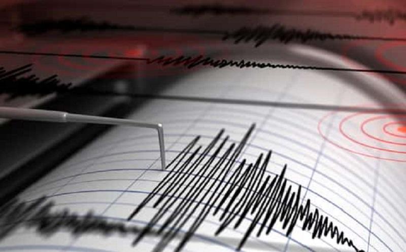 https: img.okezone.com content 2020 11 17 612 2310826 10-tips-aman-dari-bencana-gempa-bumi-XUfl9ff0xj.jpg